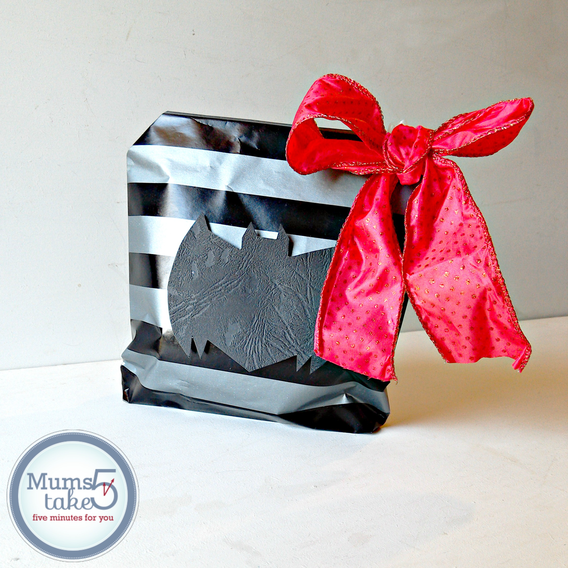 Batman Easy Paper GIft Bag DIY